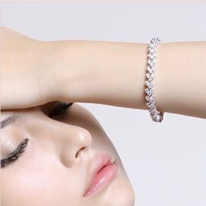 Jewelry - Charming Delicate Bracelet.